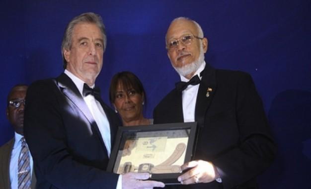 Labor FundaReD Exaltada en FIA Sport Americas Awards en Panamá